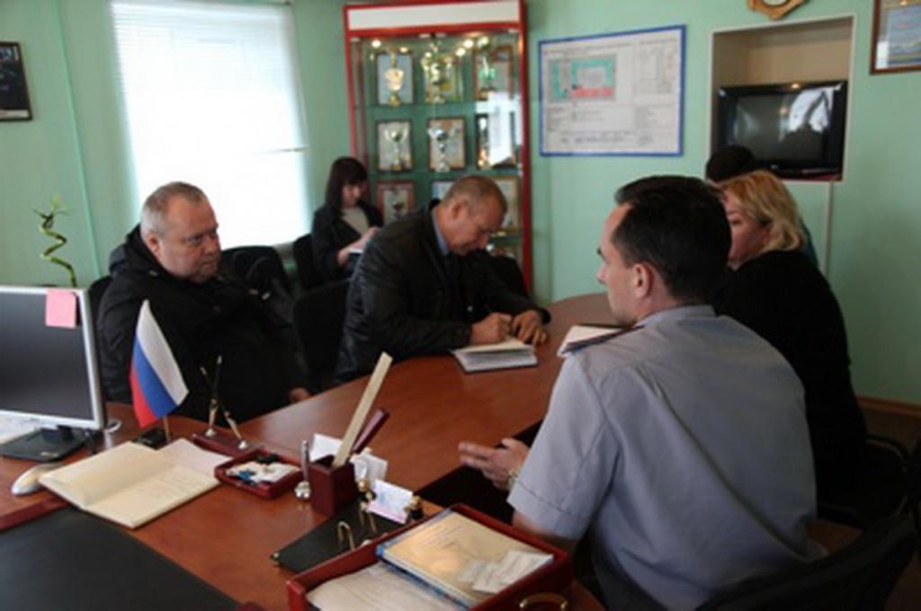 М.Козьминых посетил СИЗО в Тихвине